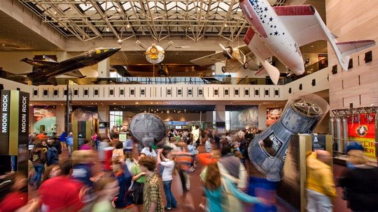 The Air and Space Museum is a bustling place for families with older kids to visit -- make sure you don't fall into these common spending traps!