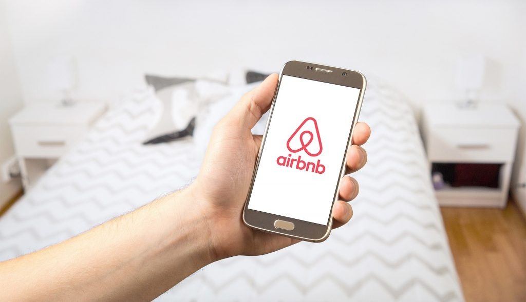 run a successful airbnb rental property